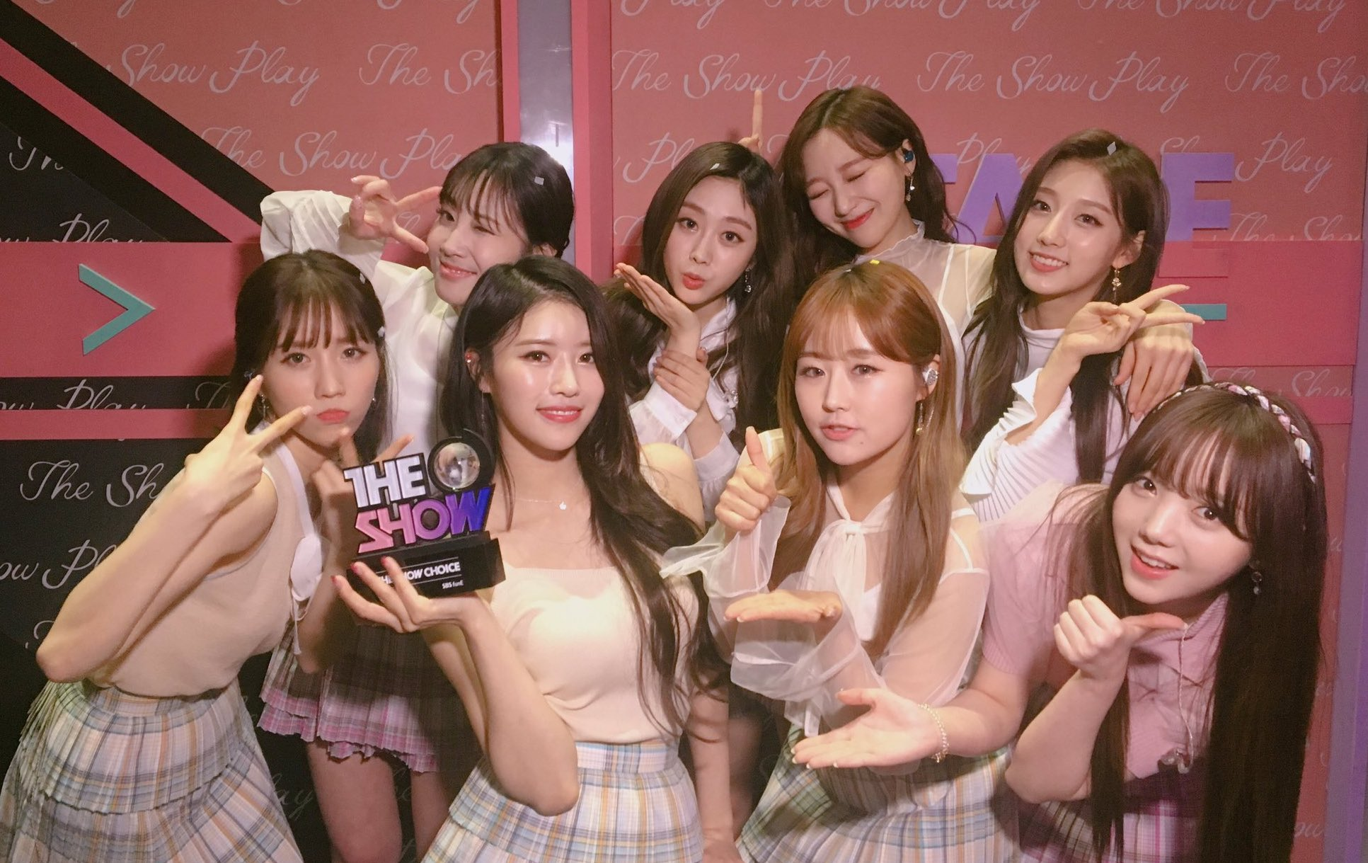 "Lovelyz logra el nº 1 por ""That Day"" en ""The Show"". Actuaciones de SNUPER, UNB y The Rose, entre otros"