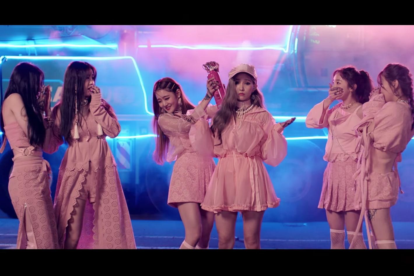 """(G)I-DLE debuta como el nuevo grupo femenino de Cube con el MV de """"LATATA"""""""
