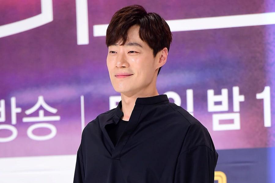 El actor Lee Hee Joon habla sobre su batalla con el trastorno de pánico