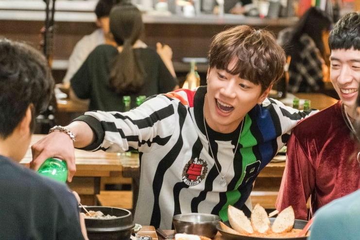 """Jun de U-KISS interpreta a un bullicioso estudiante universitario en """"Goodbye To Goodbye"""""""