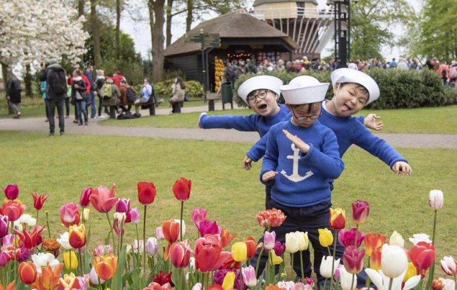 Song Il Gook publica nuevas imágenes de sus trillizos por el Día del Niño