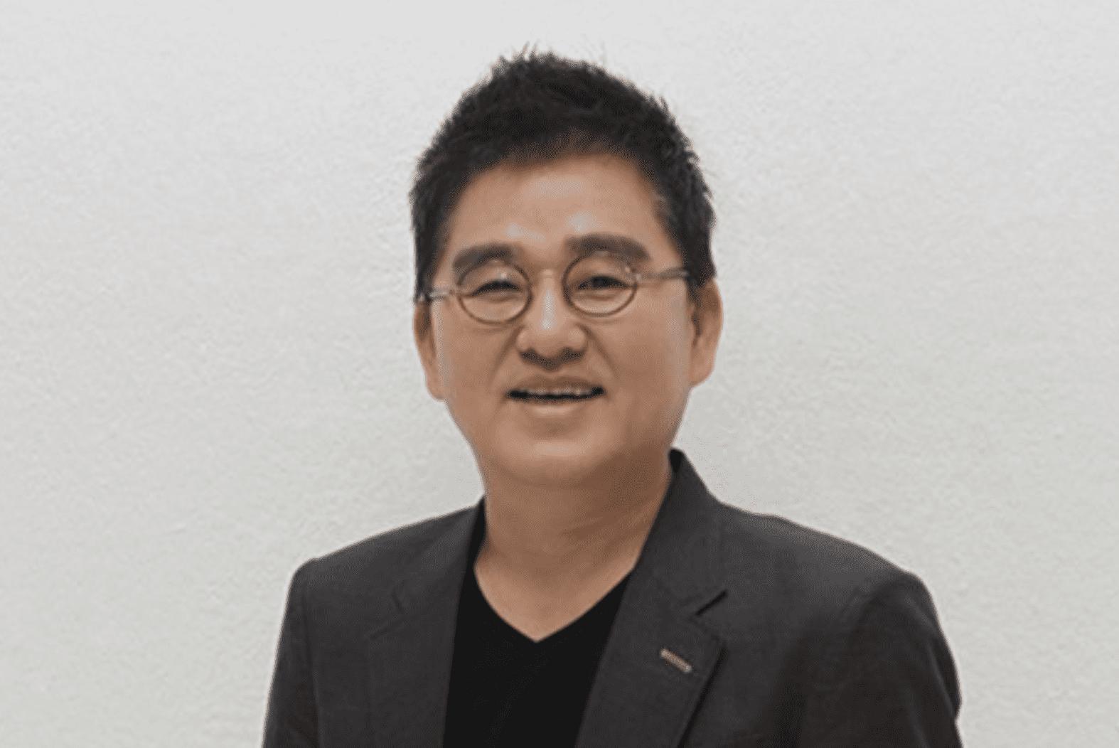 El CEO de Cube Entertainment publica un mensaje sincero sobre su enfermedad y amor por sus artistas