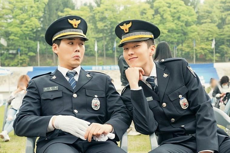 """Kwon Hyuk Soo y Jang Ki Yong lucen como adorables hermanos policía en """"Come And Hug Me"""""""