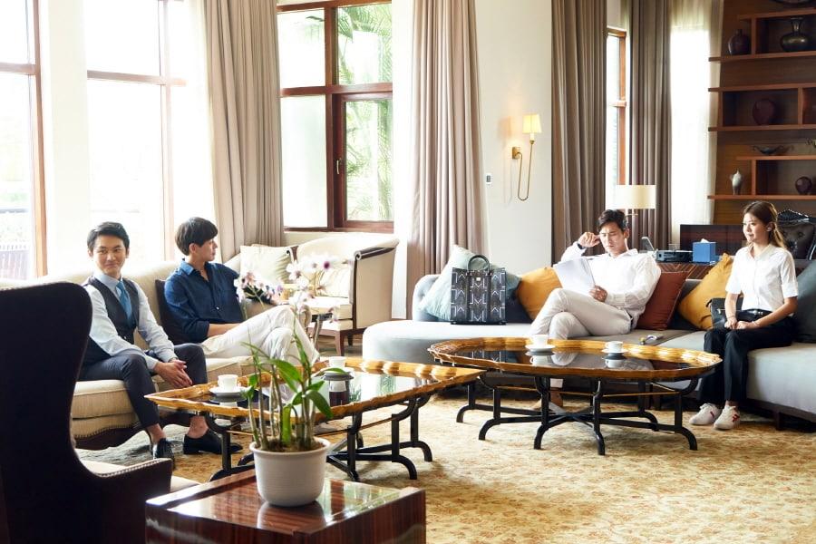 """Lee Sang Yoon y Yu Xiaoguang se enfrentan como hombres de negocios internacionales con clase en """"About Time"""""""