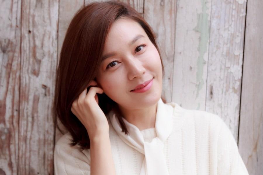 La actriz Kim Ha Neul da a luz a su primera hija