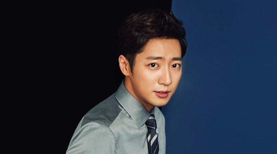El actor Lee Sang Yeob se convierte en agente libre después de que el contrato con su agencia expire