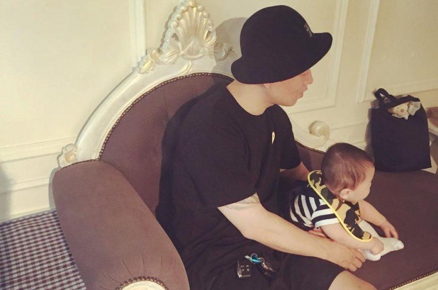 Gary revela más fotos de su hijo de 7 meses