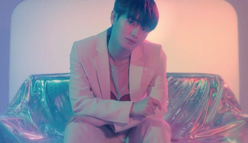 """Kim Yong Guk da las gracias a sus fans por ser tan afortunado en su 1er MV en solitario para """"Clover"""""""