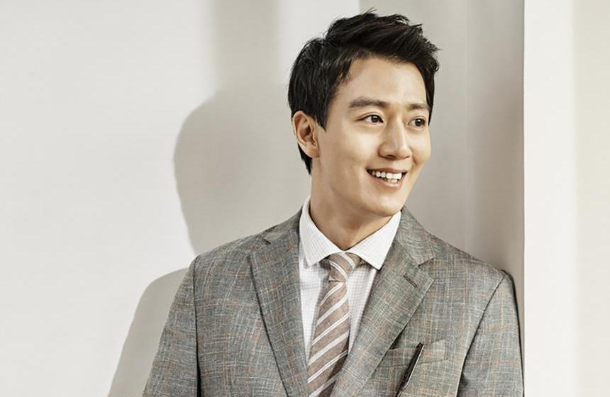 "Kim Rae Won en conversaciones para protagonizar la nueva película del director de ""The Outlaws"""