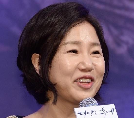 La guionista Kim Eun Sook niega rumores de divorcio