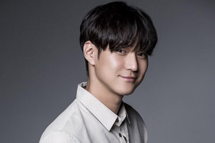 Go Kyung Pyo recibe asignación militar oficial y elogios por sus altas marcas