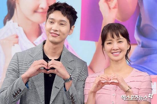 """Lee Si Young opina sobre reunirse con Ji Hyun Woo luego de 8 años en """"Risky Romance"""""""