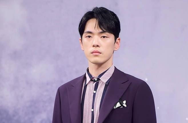 """Kim Jung Hyun es criticado por su comportamiento en conferencia de prensa de """"Time"""""""