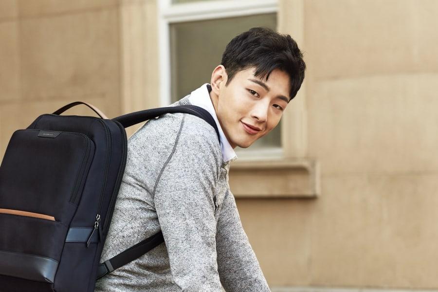 El actor Ji Soo en conversaciones para protagonizar un nuevo drama de Netflix sobre la mayoría de edad