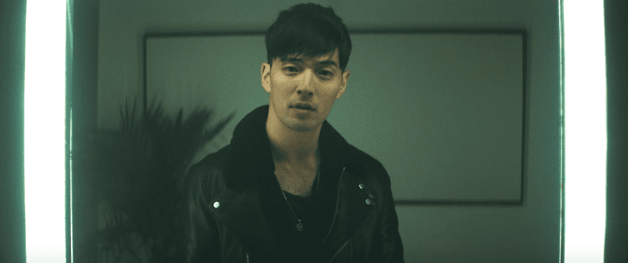 "James Lee lanza un sincero MV para su primer EP ""The Light"""