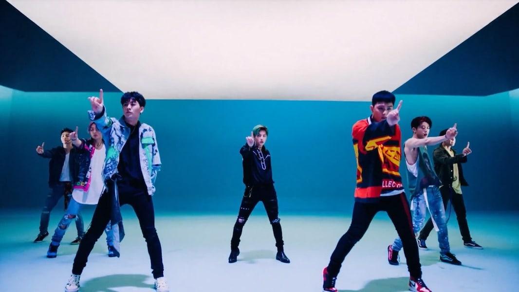 "iKON canta ""Killing Me"" en nuevo MV"