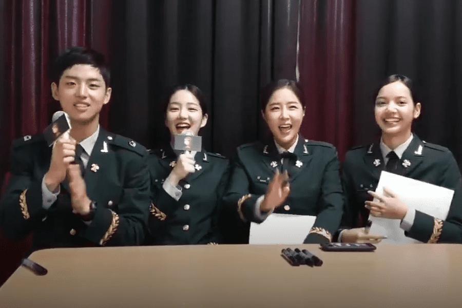 """El elenco de """"Real Men 300"""" incluido Hongseok y Lisa comparten sus experiencias en el ejercito"""