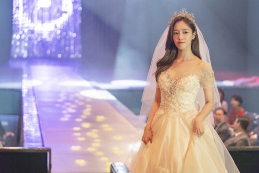 """Eunjung de T-ara brilla como una super estrella en primeras imágenes para """"Lovely Horror-vely"""""""