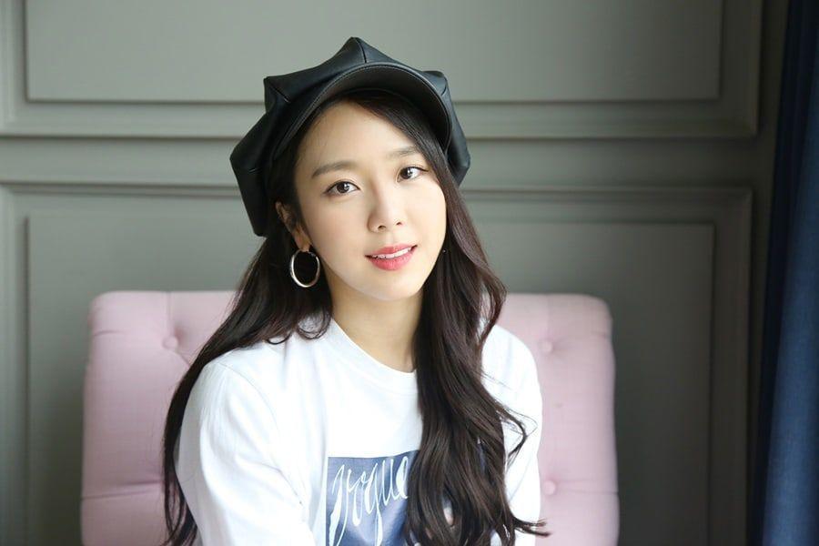 """Yewon habla sobre su experiencia al actuar en """"What's Wrong With Secretary Kim"""""""
