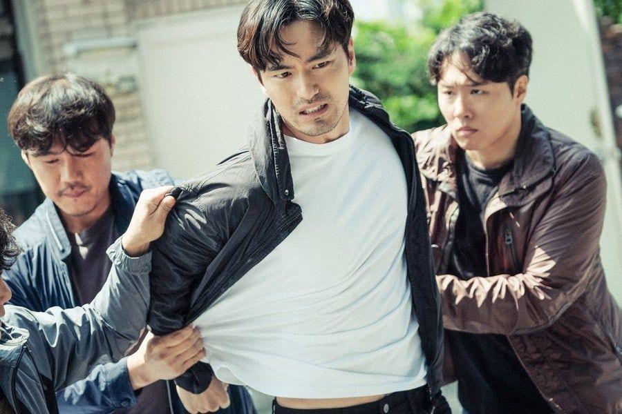 """Lee Jin Wook tiene una conversación intensa con Lee Ha Na tras las rejas en """"Voice 2"""""""