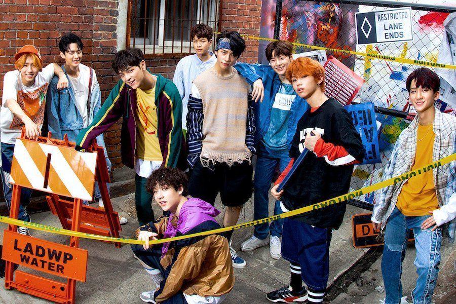 Stray Kids habla sobre producir música ellos mismos y de la reputación de JYP como famoso productor