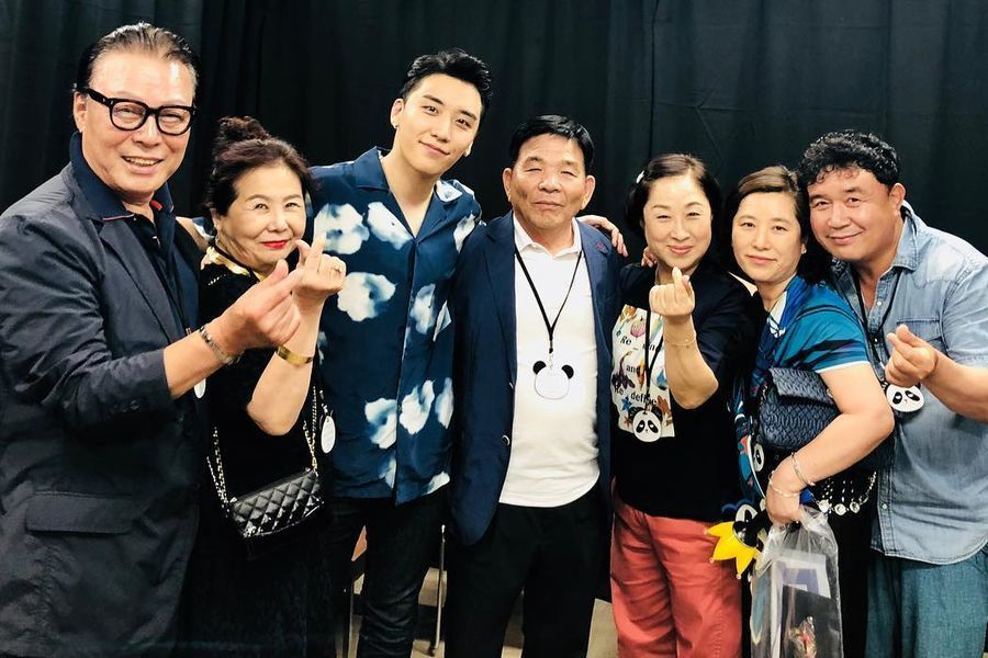 Padres de integrantes de BIGBANG muestran apoyo por Seungri en su reciente concierto