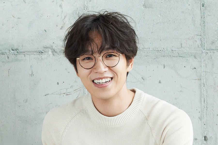 Lee Seok Hoon y su mujer dan la bienvenida a su primer hijo