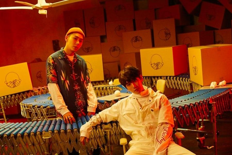 """Baekhyun de EXO y Loco lideran listas musicales alrededor del mundo con """"YOUNG"""""""
