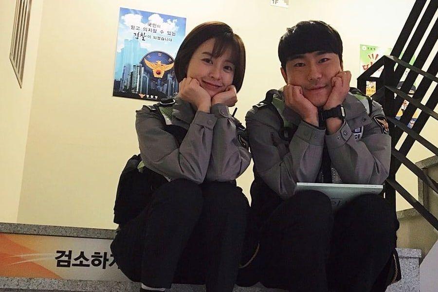 Lee Si Eon le da las gracias a Jung Yu Mi por su regalo especial