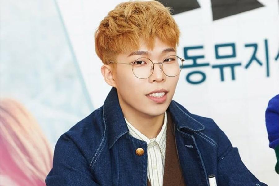 Lee Chan Hyuk de Akdong Musician comparte fotos de su licencia militar