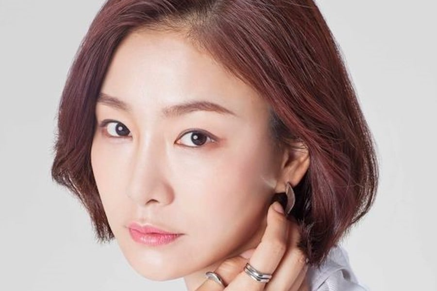 """Park Hyo Joo es parte del reparto en la nueva temporada del drama de crímenes """"God's Quiz"""""""