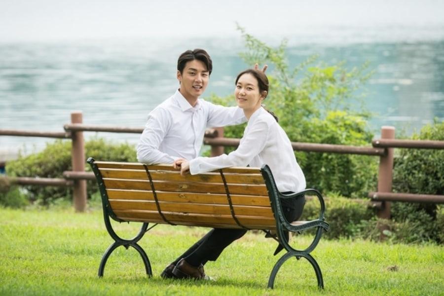 """Yoon Shi Yoon y Lee Yoo Young muestran una encantadora química en los detrás de cámaras de """"Your Honor"""""""