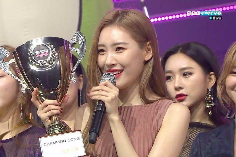 """Sunmi gana por segunda vez con """"Siren"""" en """"Show Champion"""", actuaciones de PENTAGON, Oh My Girl, y más"""
