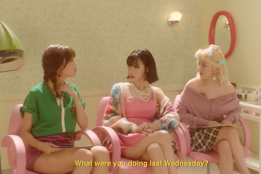 """Tiffany recibe ayuda de las miembros de Girls' Generation Sooyoung y Hyoyeon en el teaser para """"Teach You"""""""