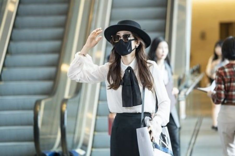 """Seo Hyun Jin se disfraza en el aeropuerto para """"The Beauty Inside"""""""
