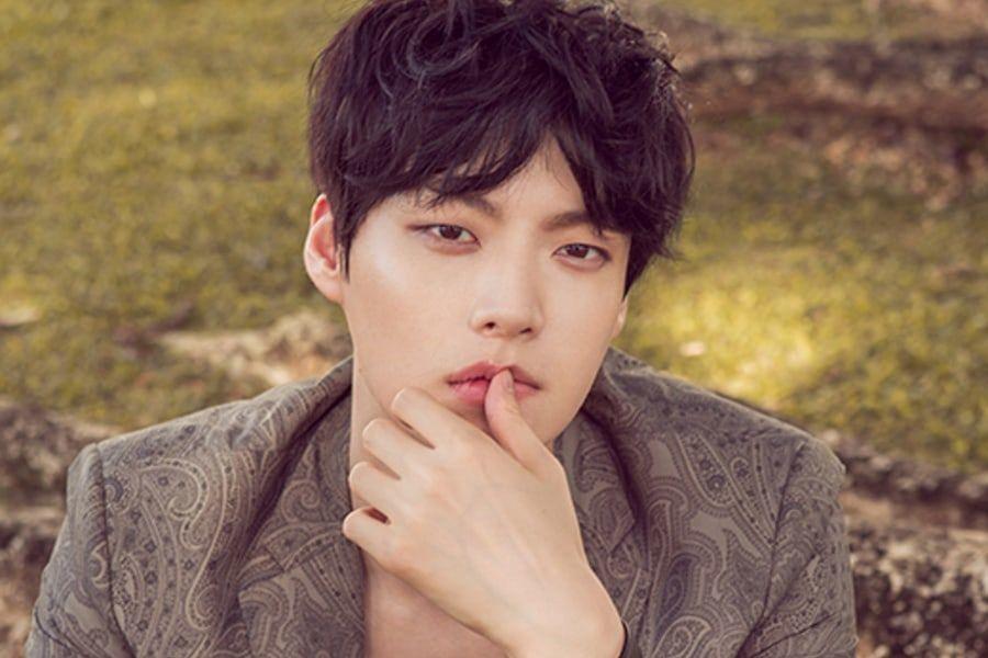 """Ahn Jae Hyun habla sobre subir de peso para su personaje en """"The Beauty Inside"""""""