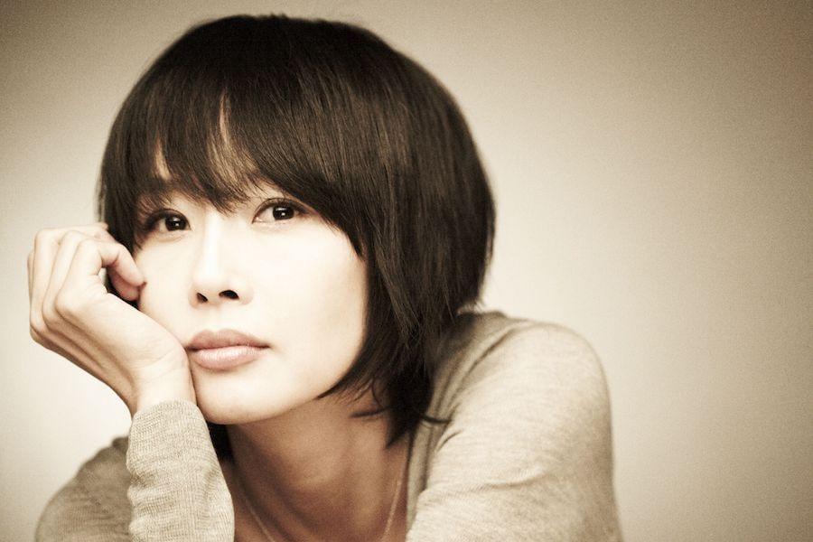 La familia y los amigos de Choi Jin Shil celebran servicio conmemorativo especial 10 años después de su fallecimiento