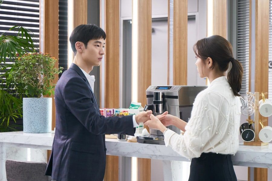"Lee Je Hoon y Chae Soo Bin comparten un momento tierno en ""Where Stars Land"""