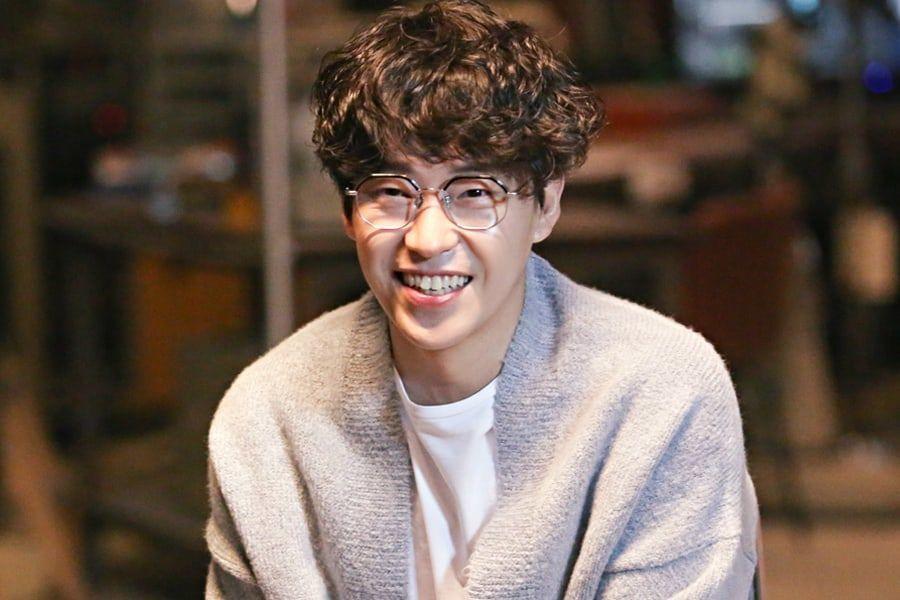 Uhm Ki Joon renueva contrato con su agencia de 12 años