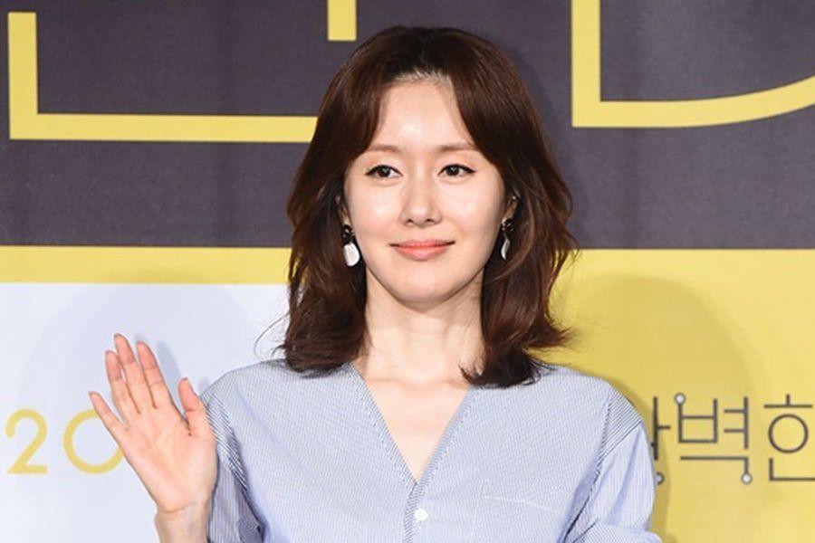Kim Ji Soo se disculpa por llegar tarde y ebria a una entrevista