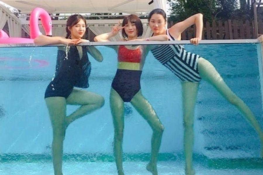 """Joy de Red Velvet, Jang Yoon Joo y Kim Soo Mi disfrutan de una fiesta en la piscina en """"Pajama Friends"""""""
