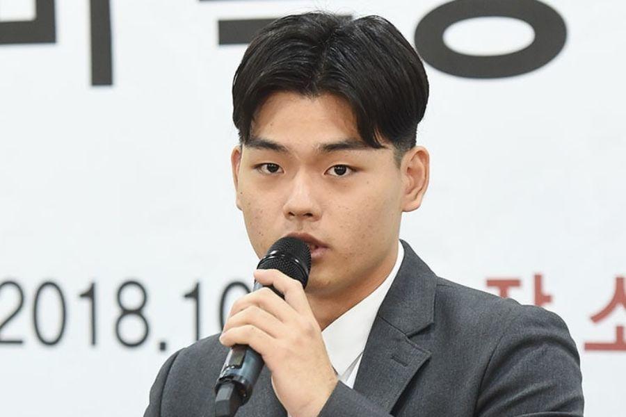 Lee Seok Cheol de The East Light niega declaraciones de la agencia y emprenderá oficialmente acción legal