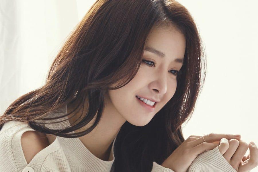 Se confirma a Lee Si Young para el papel protagónico en próximo drama de KBS