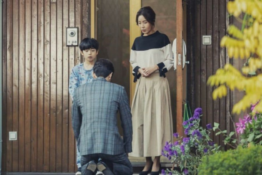 "Lee Min Ki se arrodilla frente a la mamá de Seo Hyun Jin en ""The Beauty Inside"""