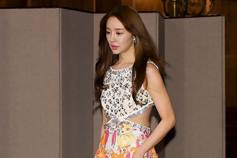 Yoon Eun Hye se disculpa una vez más por controversia pasada sobre plagio de diseño