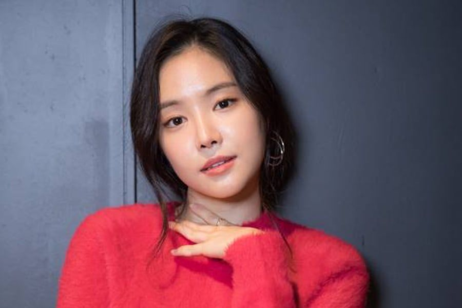 Son Naeun de Apink habla sobre un hábito de ídolo que ella notó mientras actuaba