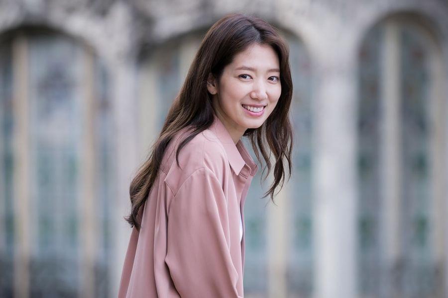 """Park Shin Hye ha compartido cómo se preparó para su papel en """"Memories Of The Alhambra"""""""