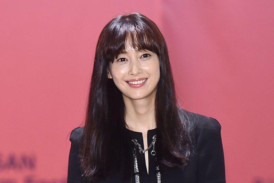 Lee Na Young habla sobre llevar la cara lavada y aprender chino para su nueva película