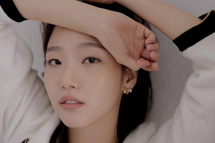 Kim Go Eun habla sobre su próxima película y el arte de la actuación