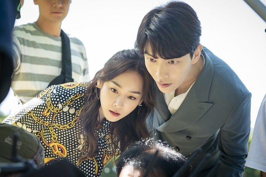 """Lee Min Ki y Seo Hyun Jin se esfuerzan para conseguir la toma perfecta en el detrás de las cámaras de """"The Beauty Inside"""""""